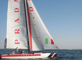 TEAM LUNA ROSSA PARTICIPATES IN THE 2011 EXTREME SAILING SERIES